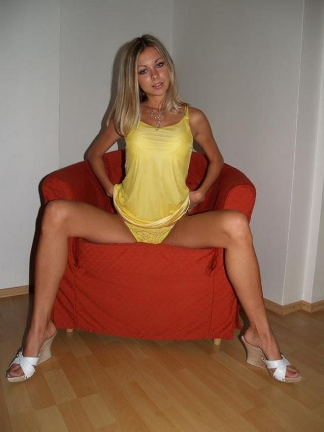 Изящная светловолосая девушка с милым телом xxx фото